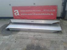 RIJPLANK 1500kg mobile yard ram