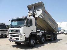 2008 VOLVO FM400 dump truck