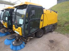 2009 JOHNSTON COMPACT 142T SWEE
