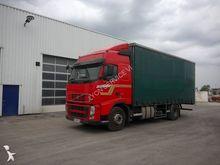 2010 VOLVO 420 truck curtainsid