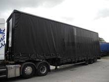 2006 Curtain side semi-trailer