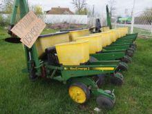 JOHN DEERE 7200 mechanical seed