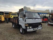 1988 TOYOTA Dyna flatbed truck
