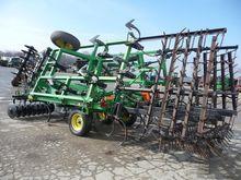 JOHN DEERE 726 cultivator