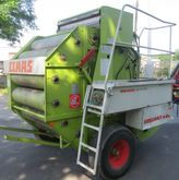 CLAAS Rollant 44 round baler