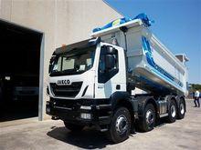 IVECO TRAKKER 410T500 dump truc