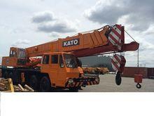 1997 KATO mobile crane