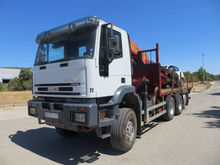 2006 IVECO flatbed truck