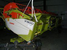 2012 CLAAS V 900 reaper