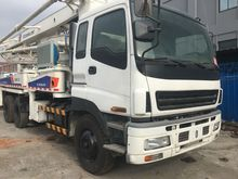 2007 ZOOMLION 37m concrete mixe