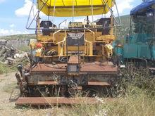 1993 DEMAG 130 C crawler asphal