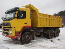 2003 VOLVO FMFH dump truck