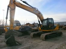 2012 JCB JS220LC, excavator tra
