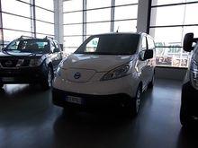 2015 NISSAN e-NV200 EV Van clos