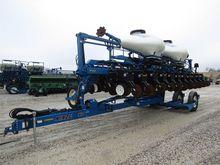 KINZE 3660 pneumatic seed drill