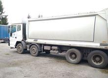 2006 IVECO Trakker dump truck