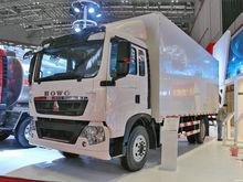 2017 HOWO T5G closed box truck