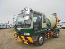 2003 ISUZU Forward concrete mix