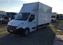 2011 RENAULT Master closed box