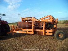 2000 Simba 102 field roller