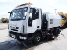 2009 IVECO 75E16 road sweeper