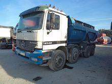 2001 MERCEDES-BENZ 4140 dump tr