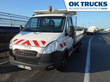 2014 IVECO 35C13 flatbed truck