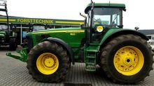 Used JOHN DEERE 8520