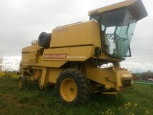 1987 HOLLAND 8050 combine-harve