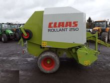2004 CLAAS Rollant 250 round ba