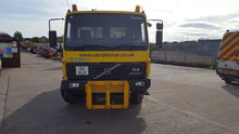 1998 VOLVO FL618 chassis truck