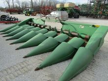 JOHN DEERE 843 maize header