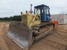 KOMATSU D65 bulldozer