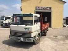 1992 NISSAN L70.88 dump truck