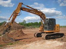 2005 CASE CX135 tracked excavat