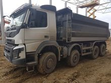 2015 VOLVO FMX dump truck