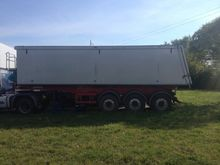 2012 CARNEHL CHKS/A grain truck