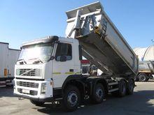 2008 VOLVO FM 400 dump truck