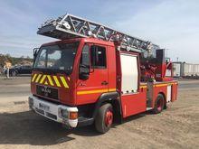 2001 MAN 9.174 fire ladder truc