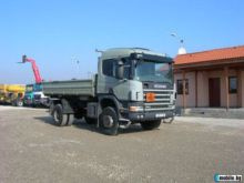 2002 SCANIA 114 flatbed truck
