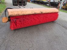 9FT MB BROOM ATTACHMENT FOR TRU