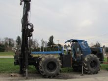 DRILL RIG HETAGER RUBBER TIRE