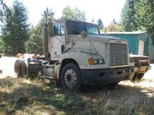 1998 Freightliner FLD12064ST