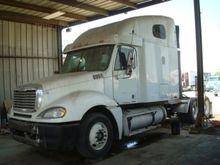 2002 Freightliner Columbia 120