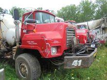 1980 Mack DM690S