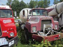 1988 Mack DM686S