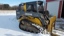 2010 John Deere 323D