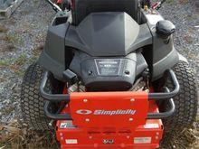 2013 Simplicity ZT2500, Gasolin