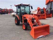 2013 Kubota B3350 tractor loade
