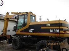 2001 CATERPILLAR M320